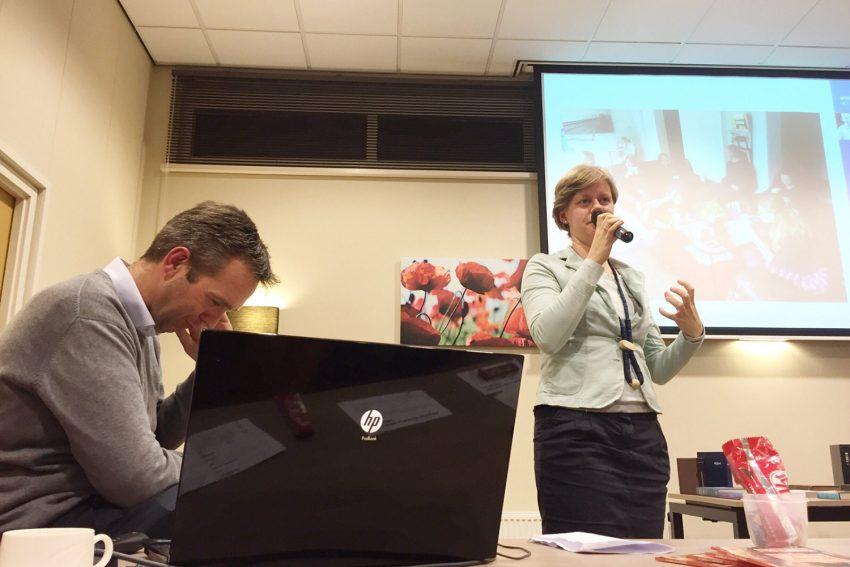 Gerda Budding Spreekt Op De Informatieavond In Hoevelaken